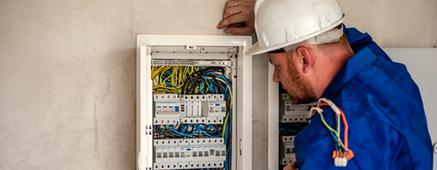 Formularios digitales en energía y mantenimiento